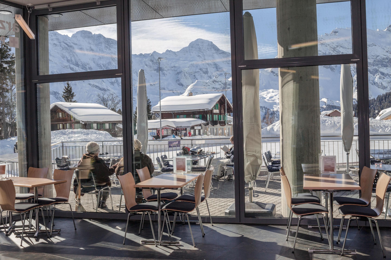 Cafeteria Sicht auf Eisbahn