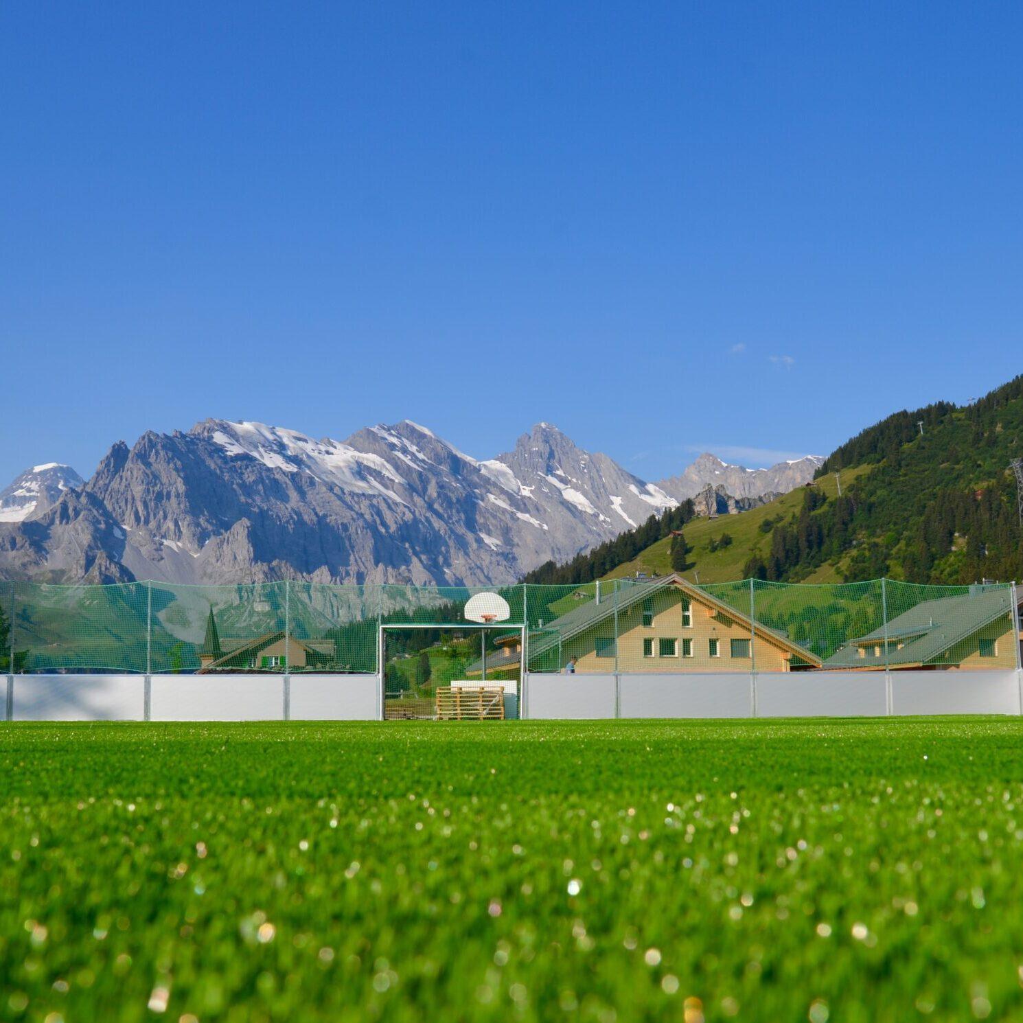 Alpines_Sportzentrum_Kunstrasenspielfeld
