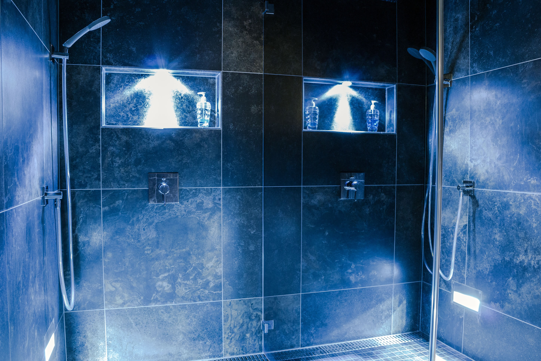 Duschen im Alpine Spa